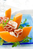 Prosciutto and melon. — Stockfoto