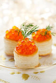 Vol-au-vents with red caviar — Stock Photo