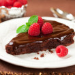Chocolate cake with raspberry — Stock Photo