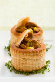 Vol-au-vents filled with mushroom — Stock Photo