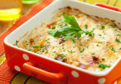 Potato and kohlrabi gratin — Stock Photo