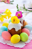 Easter cake and eggs — Stock Photo