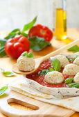 Albóndigas de pollo y salsa de tomate — Foto de Stock