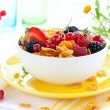 Cornflakes  and berries — Stock Photo
