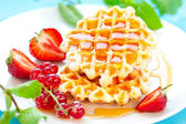 Waffles with berries — 图库照片