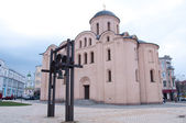 Church of the Assumption of the Virgin Pirogoscha. Sights of Kie — Stock Photo