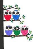 木に座っているフクロウのグループ — ストックベクタ