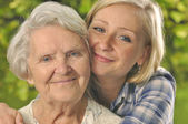 Grandmother and granddaughter. — Foto Stock