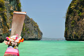Boot op maya bay. thailand — Stockfoto