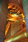 Stora buddha i bangkok — Stockfoto