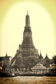 The temple of dawn. Wat Arun. Bangkok. Thailand — Stock Photo