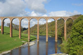 Bridge over river Tweed near Melrose towards Gattonside — Stock Photo