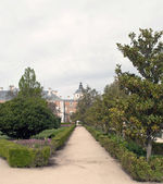 Way in the gardens of Aranjuez — Stockfoto