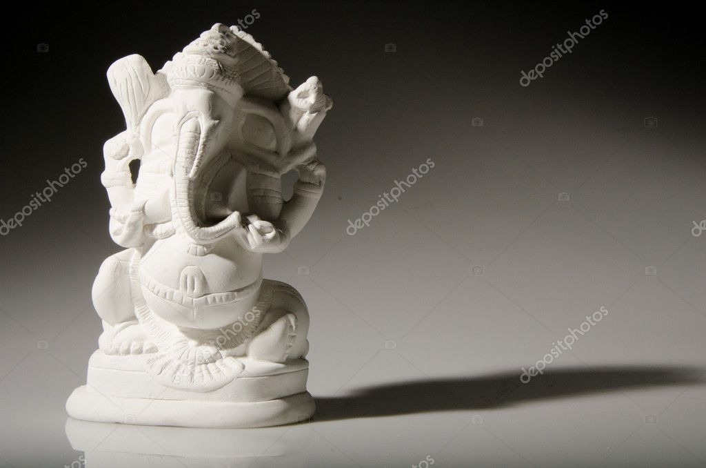 Symbol of the Hindu religion. Ganesha. Hinduísmo. God. — Stock Photo #8745345