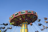 Carnaval swing ride à midway — Photo