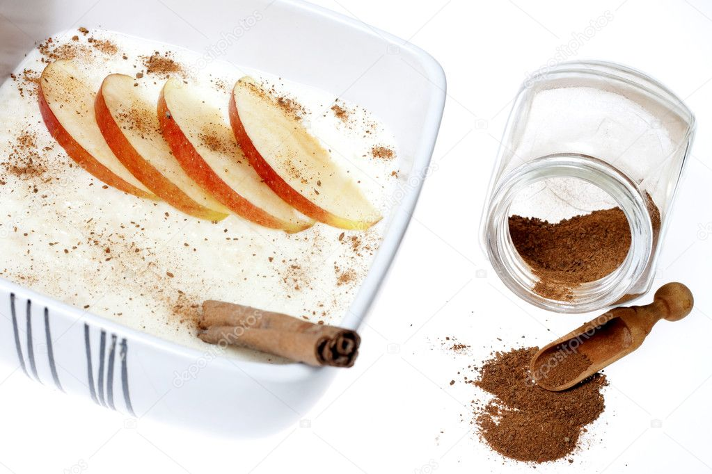 Rice pudding with apple and cinnamon  — Stock Photo #10151459