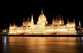 Hungarian parliament at night, Budapest — Stock Photo