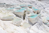 Blue water travertine pools at Pamukkale, Turkey — ストック写真
