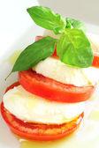 Mozzarella-salat — Stockfoto