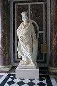 Women statue — 图库照片