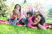 Mutlu bir aile — Stok fotoğraf