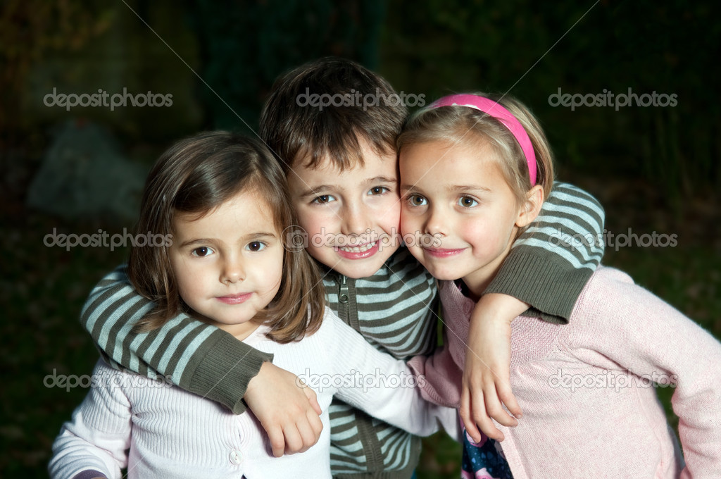 Happy kids hugging  — Stock Photo #8407554