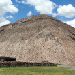 The sun pyramid in teotihuacan, mexico — Stock Photo #9013004