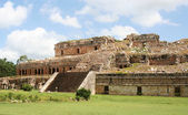Ruins of a royal palace in yucatan, mexico — Stock Photo