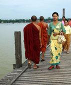 U-Bein bridge in Amarapura, Mandalay, Myanmar — Stock Photo