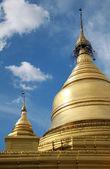 Golden stupa of Kuthodaw Paya in Mandalay — Stock Photo