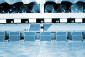 Registration tables in modern airport — Fotografia Stock