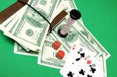 Las tarjetas, el dinero y los dados — Foto de Stock