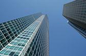 Kąt widzenia budynki ze szkła — Zdjęcie stockowe