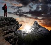 Girl looking at the beautiful Mount Matterhorn — Stock Photo