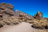 Teide Vulkan between two big rocks — Stock Photo