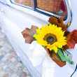 Wedding car with yellow flower — ストック写真