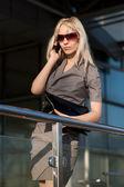 Beautiful woman going to shops — Foto Stock