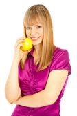 Piękna kobieta z jabłko uśmiechający się — Zdjęcie stockowe