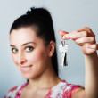 Realtor is giving the keys to an apartment — Stock Photo