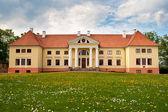 Durbe manor house cerca de tukums, letonia. — Foto de Stock