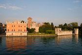 Lazise, lake garda, veneto, i̇talya, avrupa, kale manzarasına — Stok fotoğraf