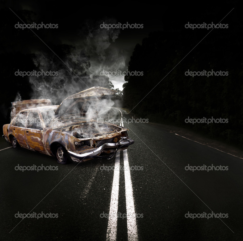 Rusty Overheated And Broken Down Vehicle Wreck Steaming Up Clouds Of Smoke And Fumes On The Side Of A Atmospheric Road In A Roadside Assistance Conceptual — Stock Photo #10264769