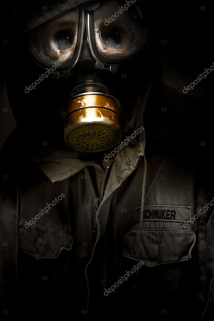 Creative Dark Photograph Of A Dead German Soldier With Rotten Sunken Face Wearing A Faulty Leaking Gasmask In A Casualties Of War Conceptual — Stock Photo #10266838