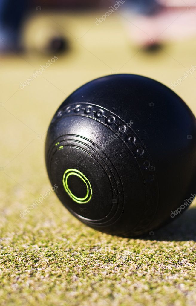 Focus On A Lawn Bowls Ball With A Low Depth Of (The) Field — Stock Photo #10610660