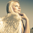 Golden Angel Looking To The Heavens — Stock Photo