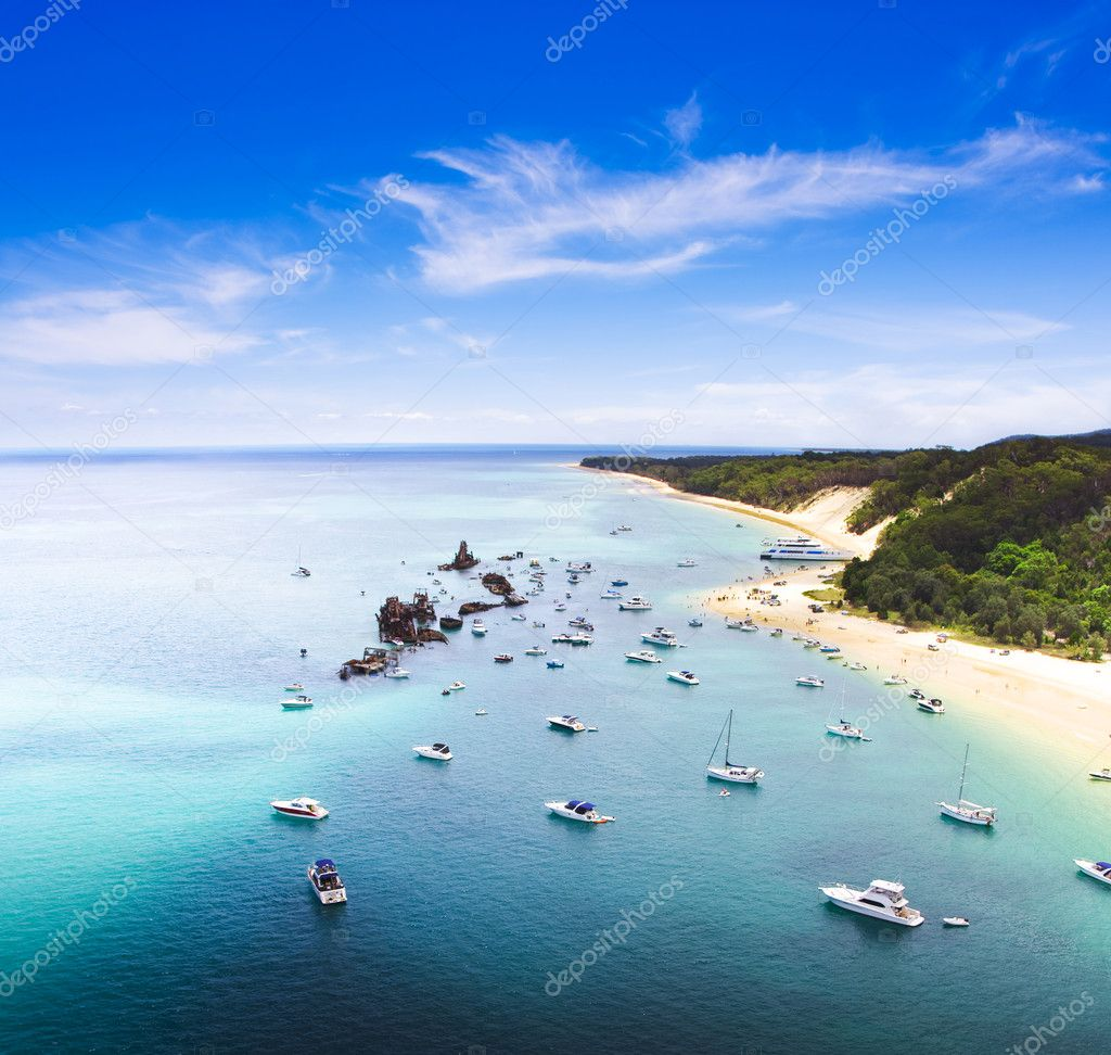 Tangalooma Wrecks Landscape, Queensland, Australia. Beautiful scenic overhead view of ships moored in crsytal clear waters off the coast at Tangalooma Wrecks — Stock Photo #9765421
