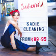 Foto Stock: Sadie Cleaning Lady