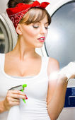 Spray And Wipe Woman — Stockfoto