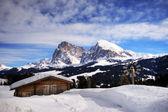 Dolomieten alpen in de sneeuw — Stockfoto