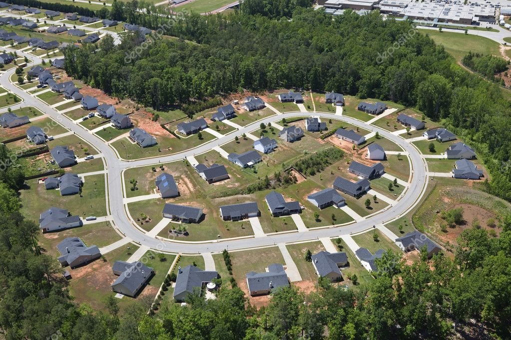 Aerial of suburban neighborhood culdesac homes in the eastern United States. — Stock Photo #10288606